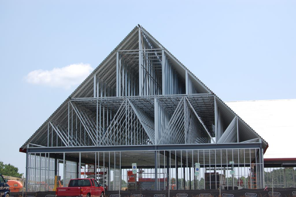 Light Gauge Metal Trusses For North Carolina Commercial Roofs